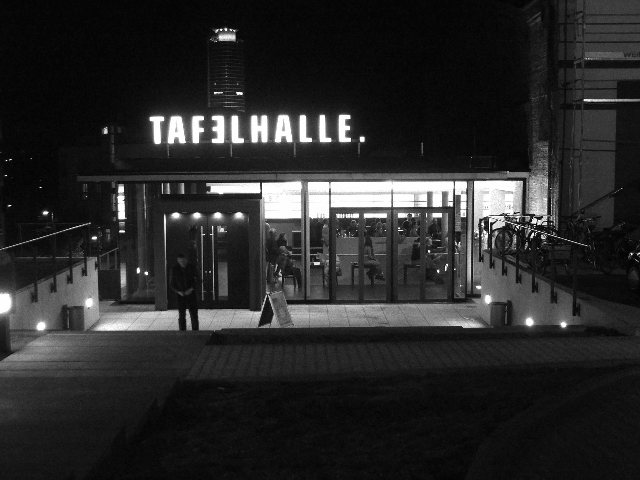 Tafelhalle-Theatercafe-3-schwarzweiss